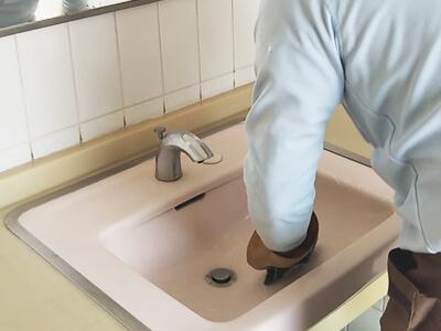手洗い場磨き